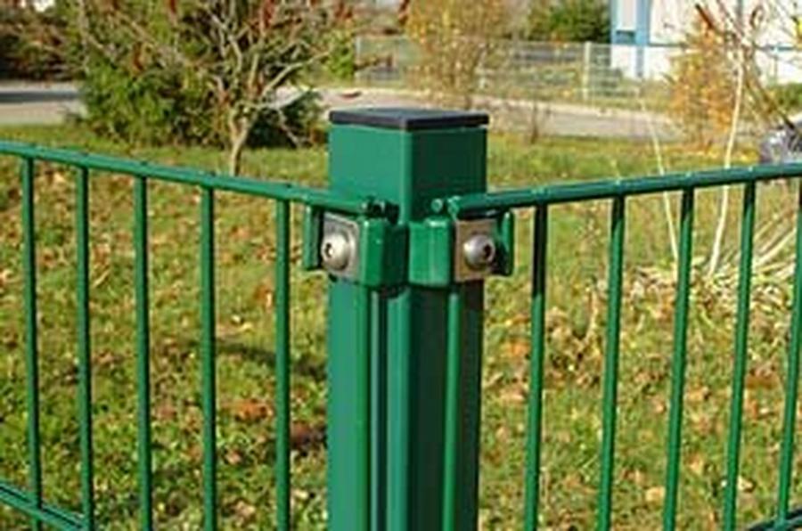 Metall - Eckpfosten für Doppelstabmatten 6 x 6 x 220 cm grün