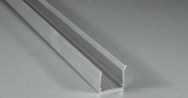 Alu-U-Profil Kantenschutz mit Tropfnase 980 mm für 16er Stegdoppelplatten unten